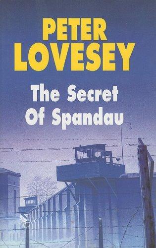 9780727870315: The Secret of Spandau (Severn House Large Print)