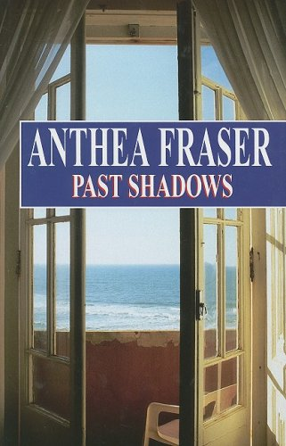 9780727870889: Past Shadows (Severn House Large Print)
