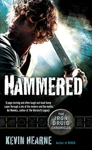 9780732292928: Hammered (Iron Druid Chronicles)