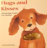 9780735820593: Hugs and Kisses (Touch & Feel)