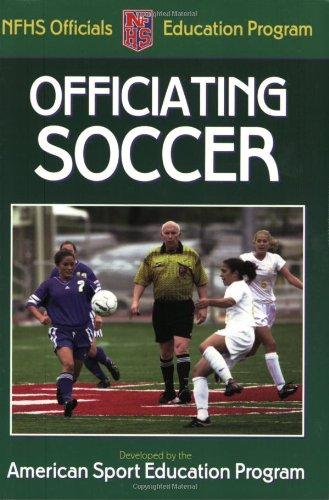 9780736047616: Officiating Soccer