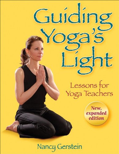 9780736074285: Guiding Yoga's Light: Lessons for Yoga Teachers