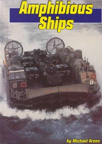 9780736800402: Amphibious Ships (Land and Sea)