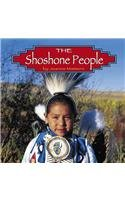 9780736808347: The Shoshone People (Native Peoples)