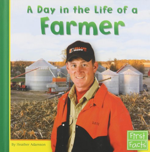9780736822831: A Day in the Life of a Farmer (Community Helpers at Work)