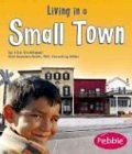 9780736836333: Living in a Small Town (Communities)