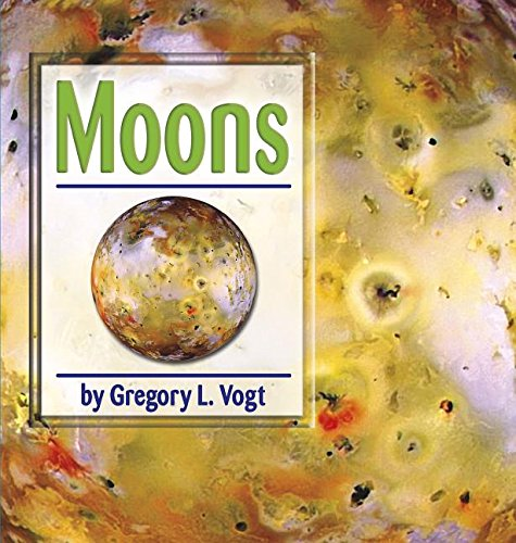 9780736849357: Moons (The Galaxy)