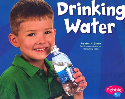 9780736869263: Drinking Water (Healthy Eating with MyPyramid)