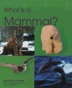 9780736890960: What Is a Mammal? (The Animal Kingdom)