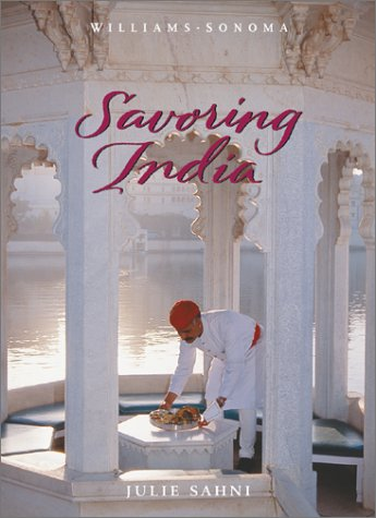 9780737020502: Savoring India: Recipes and Reflections on Indian Cooking