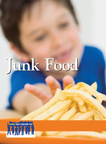 9780737749540: Junk Food (Issues That Concern You)
