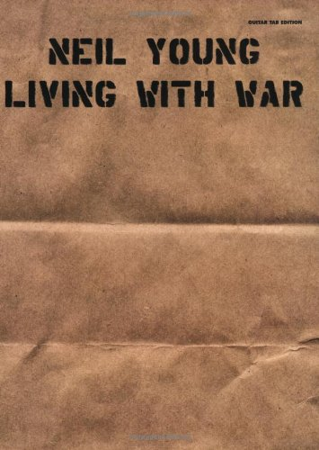 9780739043080: Living with War
