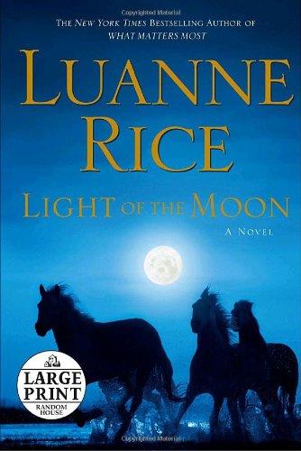 9780739327739: Light of the Moon (Random House Large Print)