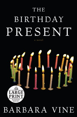 9780739328378: The Birthday Present (Random House Large Print)