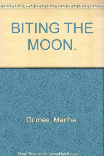 9780739404119: Biting the Moon