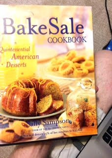 9780739410172: The Bake Sale Cookbook: Quintessential American Dessets