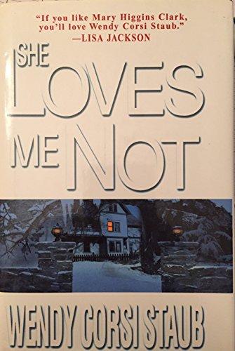 9780739432549: She Loves Me Not