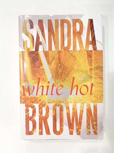 9780739444849: White Hot (Large Print)