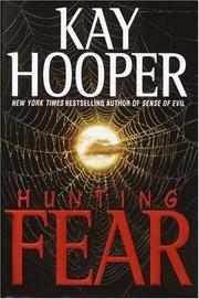 9780739445792: Hunting Fear
