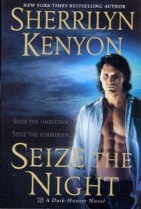 9780739448472: Seize The Night (Dark-Hunter, Book 7)