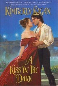 9780739450192: A Kiss in the Dark