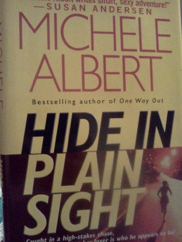 9780739467619: Hide in Plain Sight
