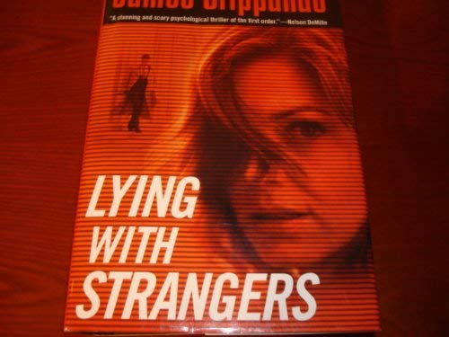 9780739467992: Lying With Strangers (LARGE PRINT)
