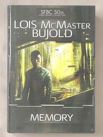 9780739483435: Memory [Gebundene Ausgabe] by Lois McMaster Bujold