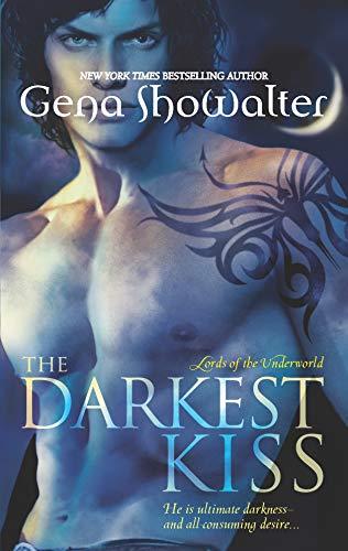 9780739496602: The Darkest Kiss (Lords of the Underworld)