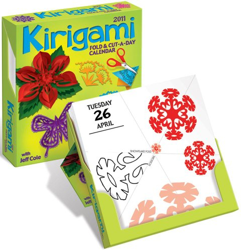 9780740797033: Kirigami Fold & Cut-a-Day: 2011 Day-to-Day Calendar