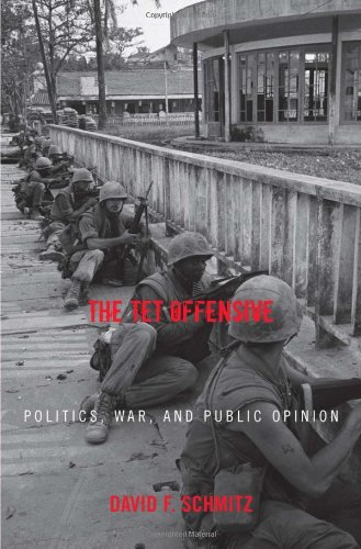 9780742544857: The Tet Offensive: Politics, War, and Public Opinion (Vietnam: America in the War Years)