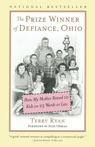 9780743211239: The Prize Winner of Defiance, Ohio: How My Mother Raised 10 Kids on 25 Words or Less