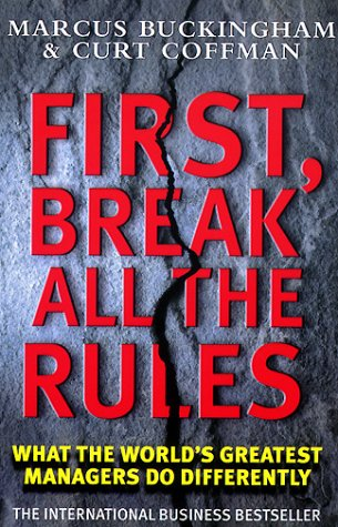 9780743219877: First, Break All the Rules (Simon & Schuster business books)