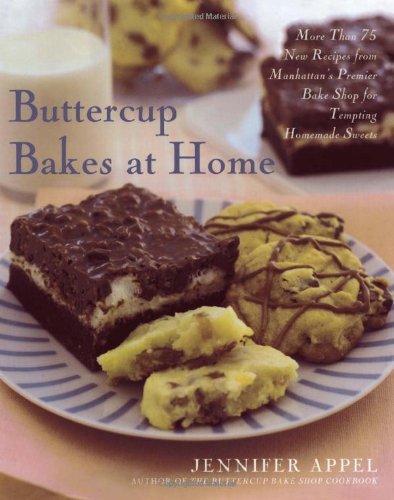 9780743271226: Buttercup Bakes at Home