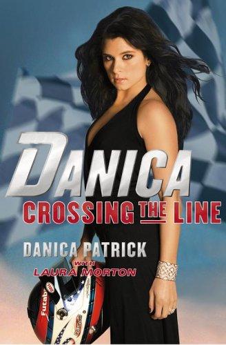 9780743298148: Danica-Crossing the Line