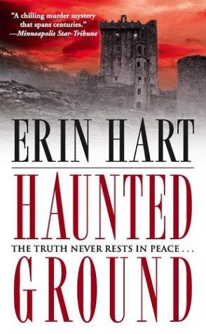 9780743470995: Haunted Ground: A Novel