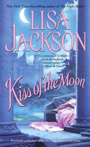 9780743492935: Kiss of the Moon