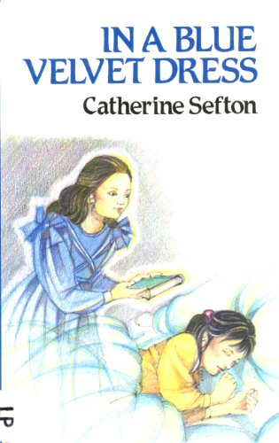 9780745104980: In a Blue Velvet Dress (Lythway Large Print Books)