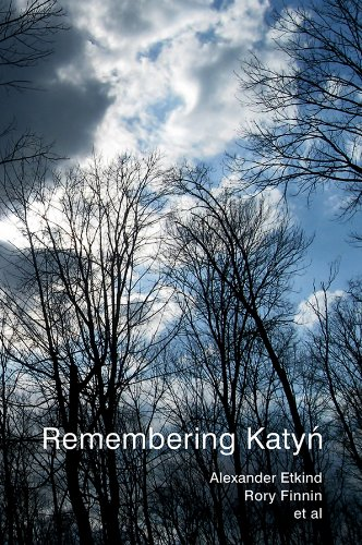 9780745655772: Remembering Katyn