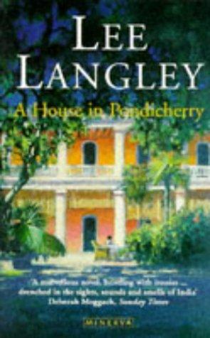 9780749386511: A House in Pondicherry