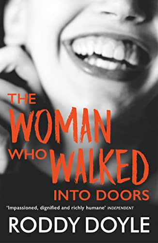 9780749395995: The Woman Who Walked Into Doors (Roman)
