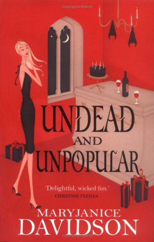 9780749937300: Undead and Unpopular (Undead 5)