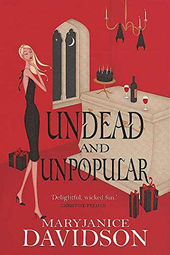 9780749937997: UNDEAD AND UNPOPULAR (BETSY TAYLOR, NO 5)