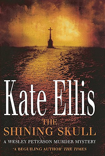 9780749938093: The Shining Skull (The Wesley Peterson Murder Mysteries)