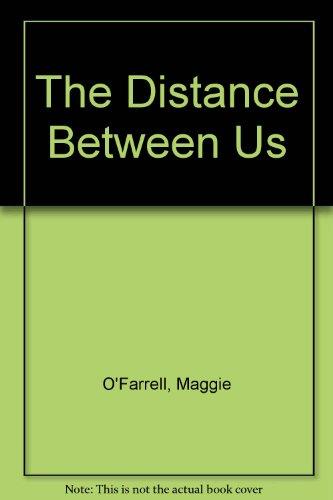 9780750522113: The Distance Between Us