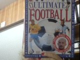9780751327755: Ultimate: Football (The Ultimate)