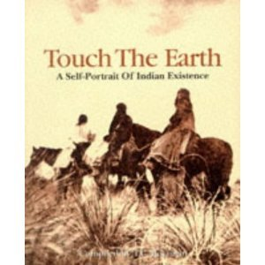 9780751511482: Touch the Earth