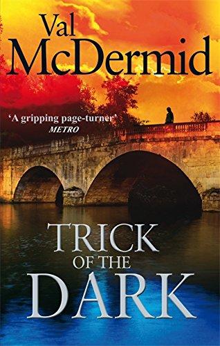 9780751543223: Trick of the Dark