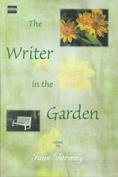 9780753154731: The Writer in the Garden (Isis Large Print Nonfiction)