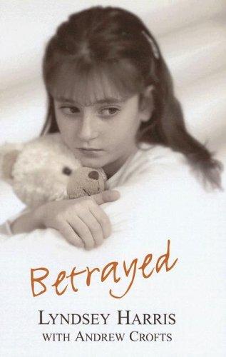 9780753194102: Betrayed